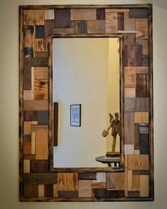 Stunning Mirror Frame Design Ideas From Wood - Diy Pallet Mirror, Reclaimed Wood Mirror, Wood Framed Mirror, Wood Wall Art, Wood Picture Frames, Picture On Wood, Decorating With Pictures, Decoration Pictures, Wooden Projects