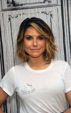 celebrity hairstyles that, for better or for more extreme, were definitely conversation newbies. See below 30 new celebrity hairstyles idea See also: in haircuts for 2017 Spring Hairstyles Spring Haircut Ideas for Short, Medium, and Long Hair Short Hairstyles 2015, Spring Hairstyles, Celebrity Hairstyles, Cool Hairstyles, Hairstyle Ideas, Hairstyle Tutorials, Hairstyles Haircuts, Medium Hair Cuts, Short Hair Cuts