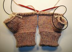 MUST get this pattern - two mittens at the same time on magic loop by Odacier, Ellen Mason Design on Ravelry
