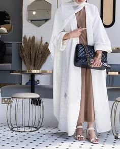 Modest Fashion Hijab, Street Hijab Fashion, Modesty Fashion, Abaya Fashion, Muslim Fashion, Niqab, Black Hijab, Look Fashion, Fashion Outfits