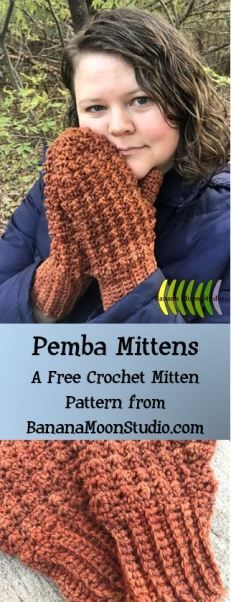 Make these mittens for children and women, from Banana Moon Studio! Free crochet… Make these mittens for children and women, from Banana Moon Studio! Free crochet pattern with a lovely texture! Crochet Mitts, Crochet Wrist Warmers, Crochet Mittens Free Pattern, Crochet Gloves, Free Crochet, Crochet Patterns, Banana Moon, Crochet Accessories, Crochet For Kids