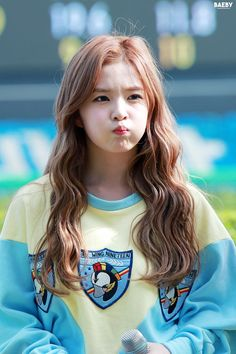 [FANTAKEN] 150621 레드벨벳 아이린 IRENE @ Let's Run Concert in Busan http://cfile26.uf.tistory.com/original/2165C3505586D4B030D030…  cr. https://twitter.com/Baeby329