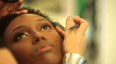 Maquiagem pele negra: dicas e truques