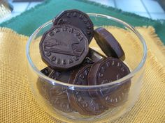 Homemade Raw, Vegan Chocolate In Only 3 Or 4 Ingredients! - The Veggie Nook