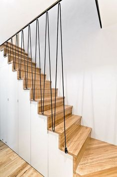 Stairs Modern Architecture Wooden Staircases Ideas For 2019 Wooden Staircase Design, Stair Railing Design, Stair Handrail, Staircase Railings, Wooden Staircases, Staircase Ideas, Railing Ideas, Modern Stair Railing, Staircase Makeover