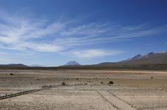 La Reserva Nacional Salinas y Aguada Blanca tiene una extensión de unas 370 mil hectáreas y  tiene como objetivo la conservación de la vicuña, el paisajismo y las fuentes de agua que esta puna conserva y alimenta a mucha comunidades de Arequipa.