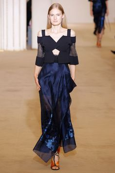 Roland Mouret Spring 2017 Ready-to-Wear Fashion Show