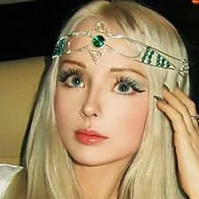 [Pics] Human Barbie Takes Off Make Up, Leaves Everyone Surprised Diy Key Projects, Build A Pizza Oven, Tree Bed, Pot Mason, Acorn Crafts, Old Candles, Sewing Magazines, How To Make Headbands, Diy Shops