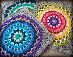 ColoridoEcletico: Quadrado de crochet com mandala ao centro - Receit...these mandala squares are beautiful...what a gorgeous blanket it would make!!!...and,there's a free pattern!!!