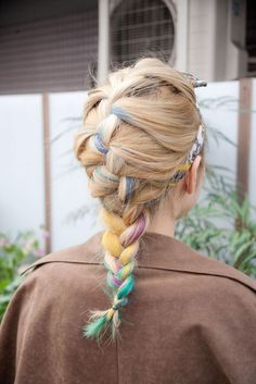 Pastel works year-round, especially if it looks this cool. #braid #pastelhair #hairinspiration