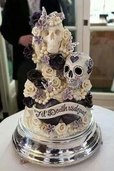 Day of the Dead sugar skull wedding cake (^^,)
