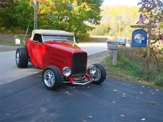 1932 Ford Roadster   890262