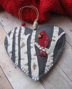 felt birds Embroidery christmas ornaments crafts 28 ideas for 2019 Christmas Ornament Crafts, Handmade Christmas, Holiday Crafts, Felt Crafts, Fabric Crafts, Sewing Crafts, Cardinal Ornaments, Felt Ornaments, Ornaments Ideas