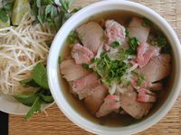 """Pho (Vietnamese Beef Noodle Soup) on BigOven: Try this Pho (Vietnamese Beef Noodle Soup) recipe, or contribute your own. """"Soups"""" and """"Beef"""" are two of the tags cooks chose for Pho (Vietnamese Beef Noodle Soup). Soup Recipes, Great Recipes, Cooking Recipes, Beef Recipes, Dinner Recipes, Favorite Recipes, Vietnamese Food Pho, Pho Thai, Vietnamese Restaurant"""