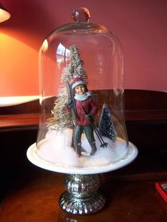 Shabby in love: Christmas under glass - cloche idea - stand made from silver candlestick and small plate, saucer Christmas Jars, Christmas Lanterns, Christmas Decorations To Make, Christmas Projects, All Things Christmas, Holiday Crafts, Vintage Christmas, Christmas Holidays, Christmas Wreaths