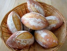 Brot & Bread: BAUERNBRÖTCHEN - RUSTIC ROLLS WITH OLD DOUGH