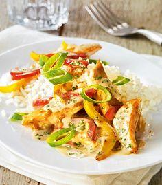 Pikante Pfanne mit Hähnchen und Paprika, besonders lecker zu Reis.