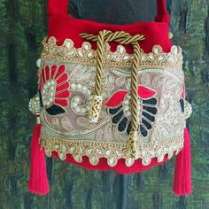 Mini Red Wayuu Tapestry Bag, Cloth Bags, Luxury Handbags, Captain Hat, Sewing, Knitting, Hats, Russian Fashion, How To Make