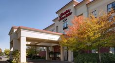 Hampton Inn & Suites Langley-Surrey Langley Near the border of the cities of Langley and Surrey, this Surrey, British Columbia hotel offers enjoyable facilities such as an indoor pool with a 2-story waterslide.