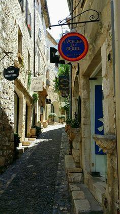 Saint Paul de Vence. Street and shops. Provence.