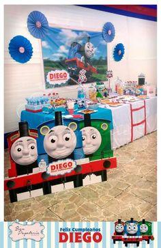 Fiesta Tren Thomas - mesa temática, banner e imagenes en vinil