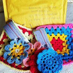 Urban Knitting per l'Aquila per il terzo anniversario del terremoto  http://mettiamociunapezza.wordpress.com/come-partecipare/