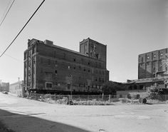 This is the Standard Mill, built in It has since been renovated and is the Whitney Landmark Loft building. Minneapolis Minnesota, Old Building, Old School, Louvre, Loft, Travel, Viajes, Lofts, Destinations