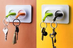 A double task plug that surely reminds you to unplug before leaving, unplug is dubbed as a chic key ring as well as a useful key holder.