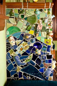 China Wall, Teacup Candles, Mosaic Diy, Mosaic Projects, Vintage Kitchen, Mosaics, Art Inspo, Tea Cups, Quilts