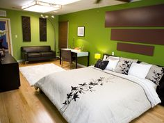 Black, White & Green Bedroom... mixed brown in as well, hmmm