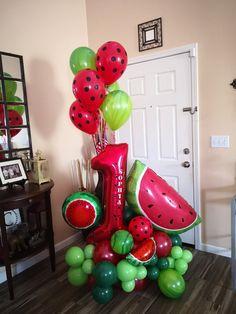 First Birthday Theme Girl, First Birthday Balloons, Birthday Balloon Decorations, Watermelon Birthday Parties, Fruit Birthday, 1st Birthday Parties, Balloon Arrangements, Balloon Bouquet, Facebook