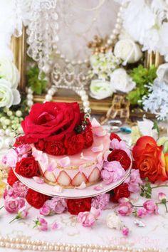 Strawberry Mousse Entrement Cake 苺のムースケーキ| Mirac M Ray Homemade Desserts, Dessert Recipes, Dessert Boxes, Strawberry Mousse, Valentines Food, Chocolate Desserts, Food Art, Food Photography, Yummy Food
