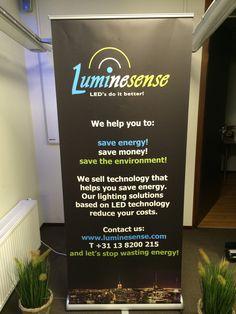 Dit is een ''banner'' van Luminesense B.V. die gebruikt wordt met het houden van presentaties of wordt geplaatst op de beurzen aan de stand.