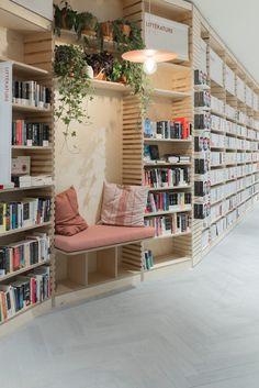 studio briand & berthereau combines terracotta, raw concrete + wood in parisian bookstore Bookstore Design, Library Design, Cafe Bookstore, Design Desk, Book Cafe, Book Store Cafe, Cafe Shop, Shop Interiors, Office Interiors