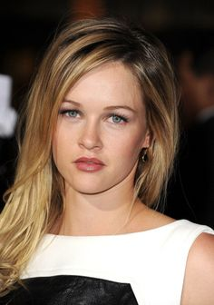 """Ambyr Childers - """"Ray Donovan"""" and """"Vice"""" Ray Donovan, Beautiful Actresses, Other People, Movie Stars, Amanda, Sexy Women, It Cast, Hollywood, Celebs"""