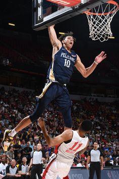 Jaxson Hayes Signs w/ Nike Fantasy Basketball, Football And Basketball, Basketball Players, Pelicans Basketball, Basketball Wallpapers Hd, Nba Fashion, New Orleans Pelicans, Young Guns, Nba Playoffs