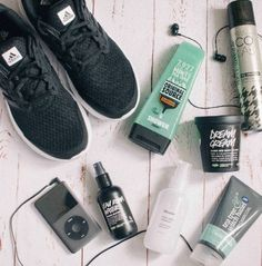 Gym like nobody is watching 💪💪💪 Refresh & Revive hair with COLAB pre or post workout ! #COLAB #DryShampoo #GymLife #WillSweatForDoughnuts #MondayMotivation   #RG 📸 #clearconsciencebeauty 💋  Available Superdrug feelunique.com BeautyMart UK Cloud 10 Beauty ASOS