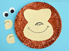 Make a paper plate monkey craft with your kids! Fun jungle art project to make.