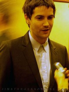 Cant you be not cute for one minute Jim? NO?!?!? Of course not! Friggin love you, Mr. Jim Sturgess!