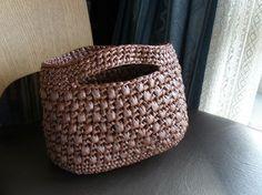 スズランテープで編んだプチバッグの作り方 その他 編み物・手芸・ソーイング アトリエ