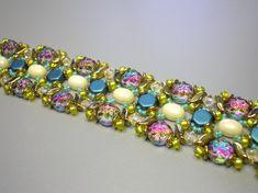 Tutorial - Bracelet - Fantasy - Honeycomb, Samos, Stormduo, Baroque cab, and seed beads O Beads, Crystal Beads, Seed Beads, Unique Bracelets, Seed Bead Bracelets, Beaded Necklace Patterns, Beading Tutorials, Beading Patterns, Honeycomb