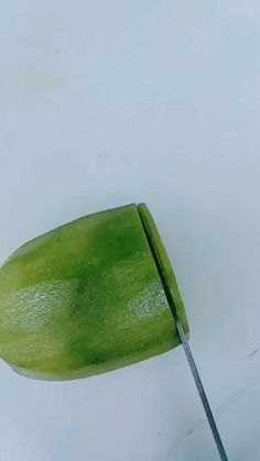 Creative Food Art, Fruit And Vegetable Carving, Food Carving, Food Garnishes, Most Satisfying, Kitchen Art, Fruits And Vegetables, Food Hacks, Food Styling