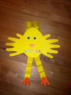 Handprint Easter Chick - Love the hanging legs!