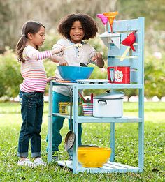 Turn an thrift store cabinet, shelf, (or shipping palette) or bookcase into an outdoor play kitchen just right for mixing up mud pies, clover parfaits, and other nature-based delights. Perfect for imaginary play! Outdoor Play Kitchen, Outdoor Fun, Kids Mud Kitchen, Pie Kitchen, Outdoor Baby, Backyard Kitchen, Outdoor Ideas, Backyard Ideas, Garden Ideas