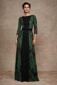 earth Tadashi Shoji Pre-Fall 2016 Fashion Show Couture Mode, Couture Fashion, Fall Fashion 2016, Fashion Show, Beautiful Gowns, Beautiful Outfits, Modest Fashion, Fashion Dresses, Moda Outfits