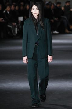 http://www.vogue.com/fashion-shows/fall-2016-menswear/ann-demeulemeester/slideshow/collection