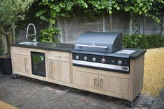 45 Awesome Outdoor Kitchen Ideas and Design - Pandriva - Make your food preparation atmosphere outdoors with your household an unforgettable and also enjoya - Outdoor Kitchen Kits, Outdoor Cooking Area, Outdoor Kitchen Design, Kitchen Decor, Kitchen Ideas, Kitchen Designs, Outdoor Island, Kitchen Bars, Basic Kitchen