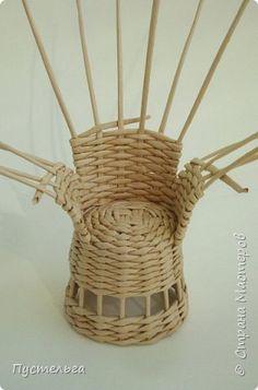 Tutorial  Кукольная жизнь Плетение Кресло Трубочки бумажные фото 9
