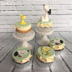 Snoopy and Woodstock Cupcakes - Cake by dottyskitchen