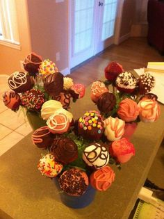 chocolate covered strawberry bouquets - Cake by Jen Scott